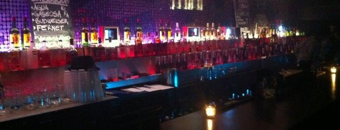 Kika Club is one of Boliches y/ó espacios para eventos.