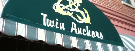 Twin Anchors Restaurant & Tavern is one of Chicago Best Eats.