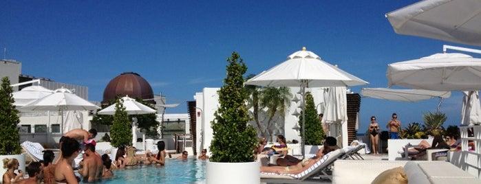 Highbar - Pool·Bar·Sky is one of Beautiful Views.