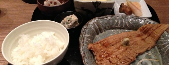 花楽 is one of Michelin Guide Tokyo (ミシュラン東京) 2012 [*].