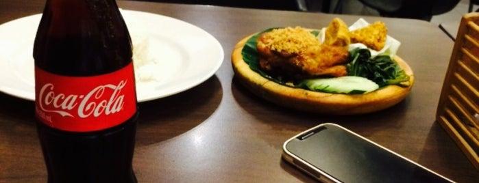 Restoran Ayam Penyet (AP) is one of Makan @ Pahang #1.