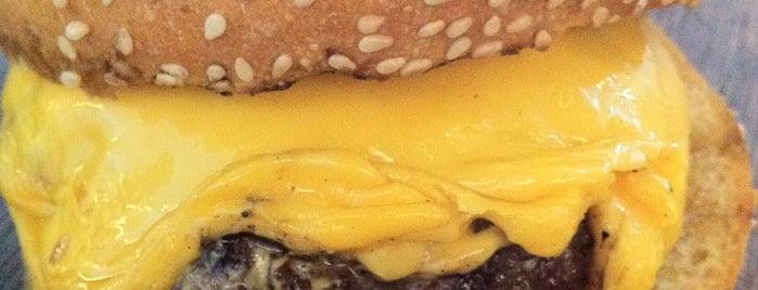 Burger Lab Karaköy is one of Tapılası Hamburgerciler, Dönerciler, Sandviççiler.