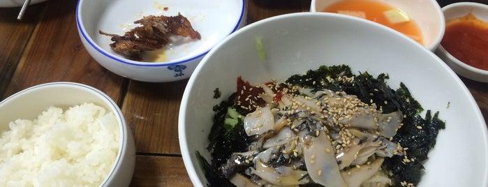 동아전복 is one of 대구 Daegu 맛집.