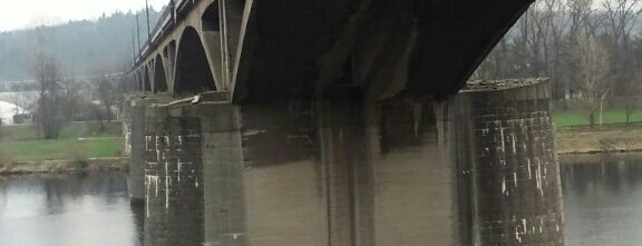 Most inteligence (Branický most) is one of Pražské mosty.