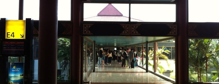 Gate E4 is one of Soekarno Hatta International Airport (CGK).