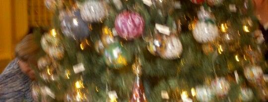 Die Weihnachts Ecke is one of Epcot World Showcase.
