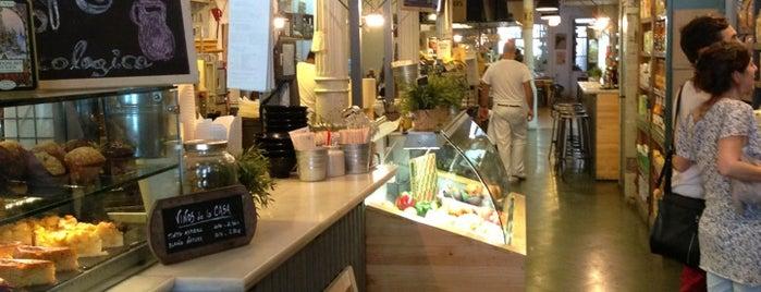 Woki Organic Market is one of Restaurant Barcelona.