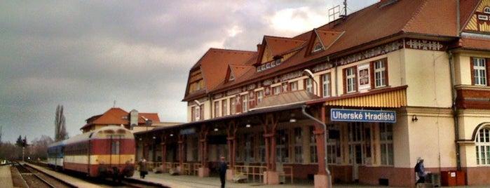 Železniční stanice Uherské Hradiště is one of Železniční stanice ČR: Š-U (12/14).