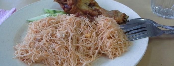 ZM Corner Roti Canai is one of Makan @ Pahang #1.
