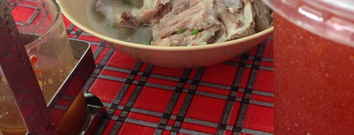 ข้าวมันไก่ หมงโอชา is one of ของกินริมถนน อ.เมือง โคราช - Korat Hawker Food.