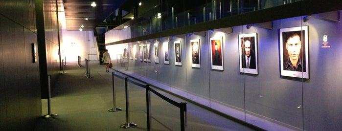 UGC Ciné Cité La Défense is one of Lieux d'accueil des rdv #Cafe_Contact_Emploi.