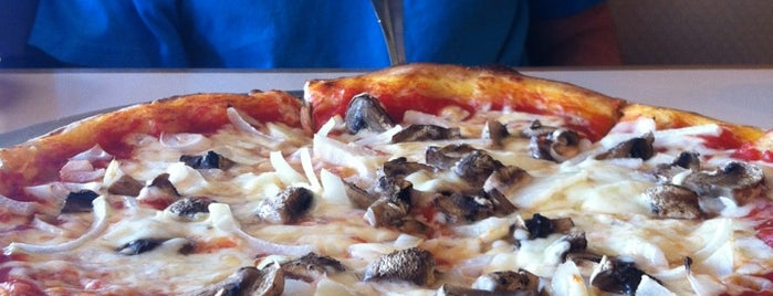 Island's Pizza is one of Favorite Restaurants.