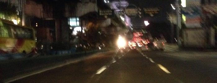 EDSA & Pioneer-Boni Intersection is one of Usuals.