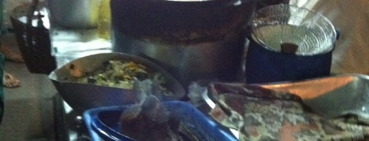 ขนมโอชิน หนองบัวรอง is one of ของกินริมถนน อ.เมือง โคราช - Korat Hawker Food.