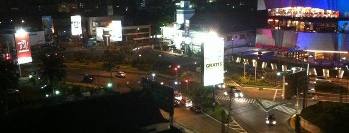 Whiz Hotel - Semarang is one of Semarang Spots.