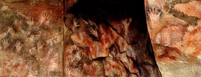 Cueva de las Manos del Alto Río Pinturas (Cave of the Hands) is one of Must ARG.