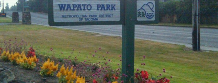 Wapato Lake is one of Dog walking in Tacoma.