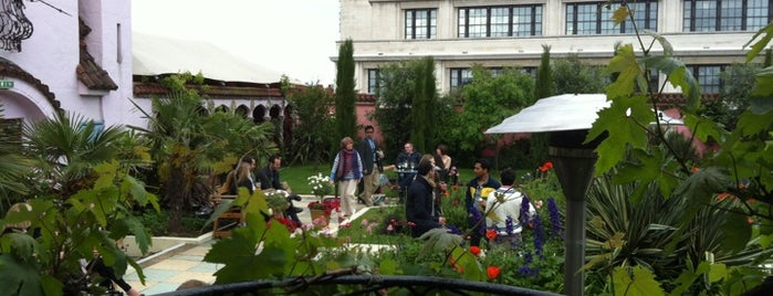 Kensington Roof Gardens is one of Want to visit.