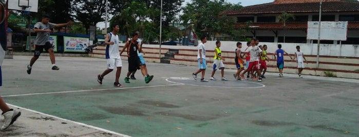 Lapangan Basket Alun - Alun Karanganyar is one of alun alun karanganyar.