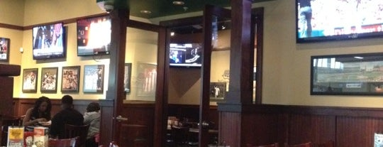 The Greene Turtle Sports Bar & Grille is one of Local Redskins Rally Bars.
