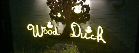 WoodDuck Bar & Restaurant is one of Ammy Loves It.