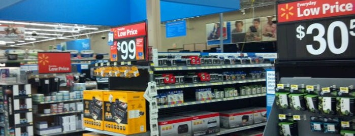 Walmart Supercenter is one of Love to go.