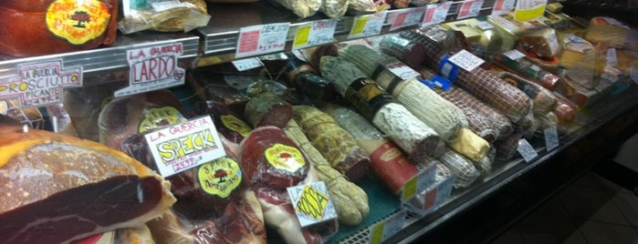 """Panozzo's Italian Market is one of """"Diners, Drive-Ins & Dives"""" (Part 1, AL - KS)."""