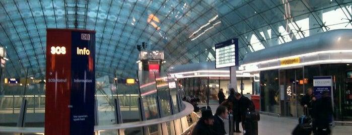Frankfurt (Main) Flughafen Fernbahnhof is one of Bahnhöfe DB.