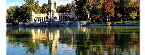Parque del Retiro is one of Top 10 favorites places in Madrid, España.