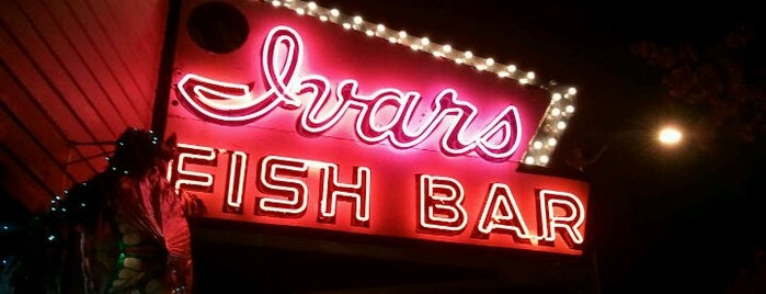 Ivar's Seafood Bar is one of LIFE IN SEATTLE, WA!!.