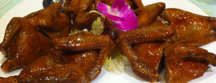 Western Lake Chinese Restaurant is one of My 100 Favorite Restuarants!.