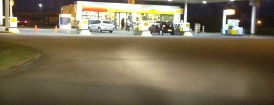Van Kalmthout Servicestation is one of Shell Tankstations.
