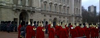 Buckingham Palace is one of My United Kingdom Trip'09.