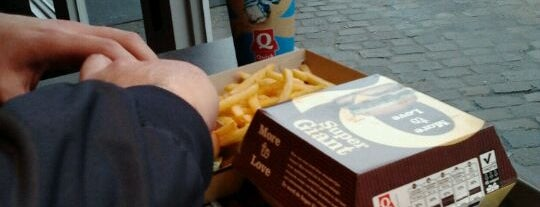 Quick Giant Bar is one of Fast Food in Ghent.