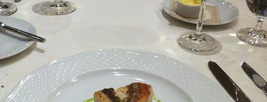Csalogány 26 étterem is one of 2011 legjobb éttermei.