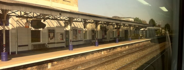 Swindon Railway Station (SWI) is one of Railway Stations in UK.