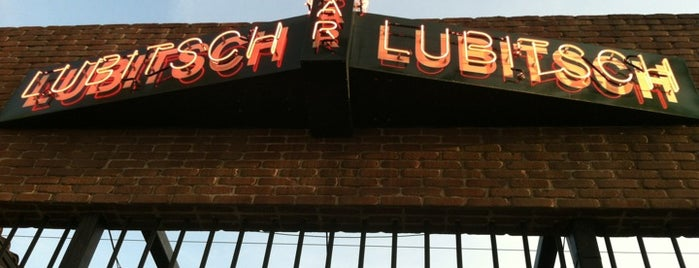 Bar Lubitsch is one of Spots for Live Music.