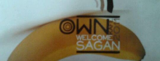 Own Cafe Sagan is one of Maen-maen.