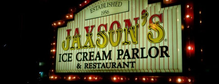 Jaxson's Ice Cream Parlour, Restaurant & Country Store is one of Peewee's Big Ass South Florida Food Adventure!.