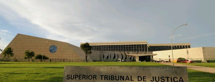 Superior Tribunal de Justiça (STJ) is one of Lugares....
