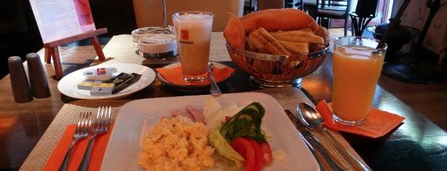 Noir et L'or is one of Egy nap a városban: A legjobb reggeli nyomában.