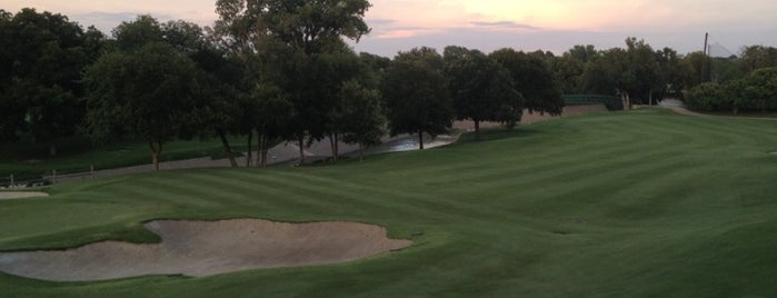 Royal Oaks Country Club is one of * Gr8 Golf Courses - Dallas Area.