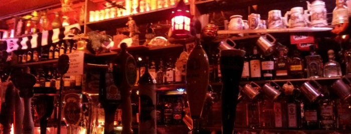 Edinburgh Castle is one of Must-visit Dive Bars in San Francisco.