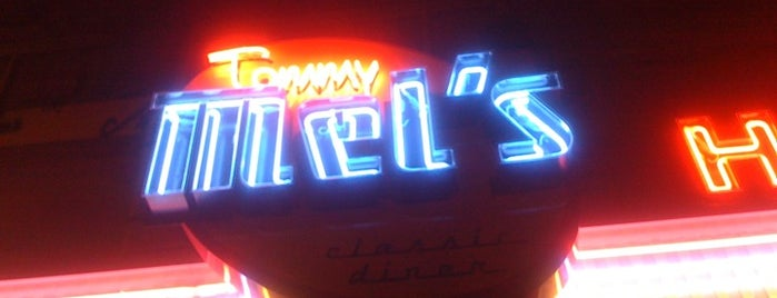 Tommy Mel's is one of Lugares.