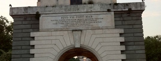 Ponte Milvio is one of Da non perdere a Roma.