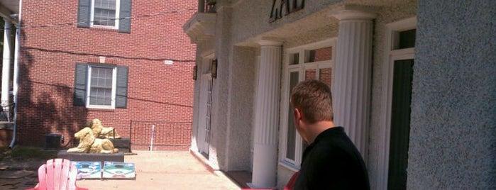 Sigma Alpha Epsilon is one of Drake University.