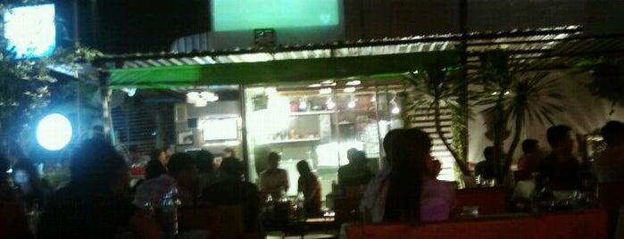 สนามหญ้า Music & Restaurant is one of Korat Nightlife - ราตรีนี้ที่โคราช.