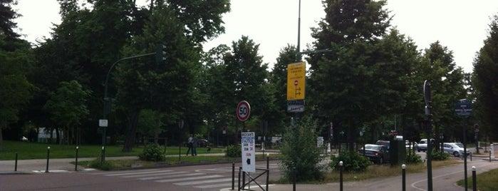 Porte de Passy is one of Portes de Paris.