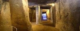 Conjunto Arqueológico Dólmenes de Antequera is one of 101 cosas en la Costa del Sol antes de morir.