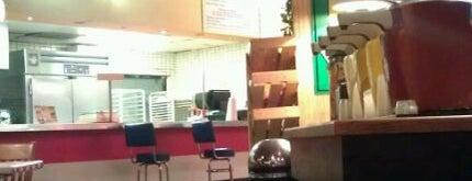 Fuddruckers is one of Top 10 dinner spots in Dallas, TX.
